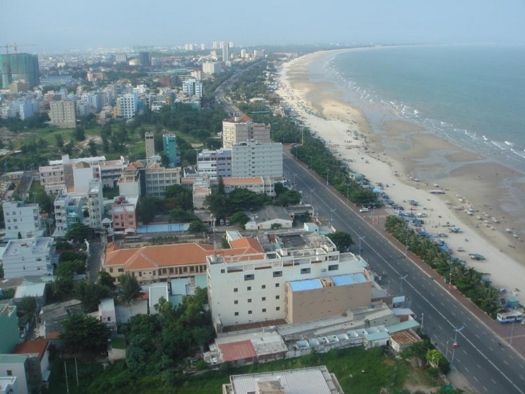 Thuy Van Street - the Back Beach of Vung Tau, always has many hotels to stay - Photo: Internet