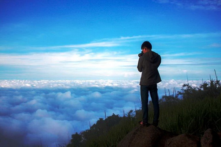 Ba Den Mounatin is always an enchanted place to backpackers - Photo: Ờ! Phượt Đi! group