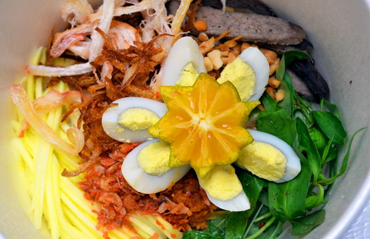 Banh Trang Tron (mixed rice paper) - Photo: Internet