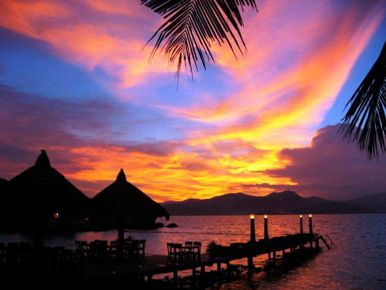 Sunset at Binh Ba Island is truly a masterpiece - Photo: Internet