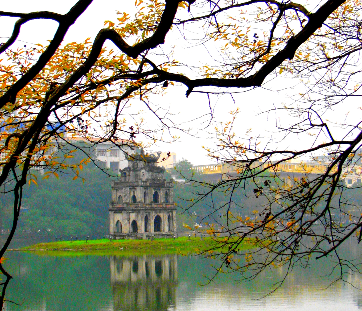 Hoan Kiem Lake - Photo: Internet