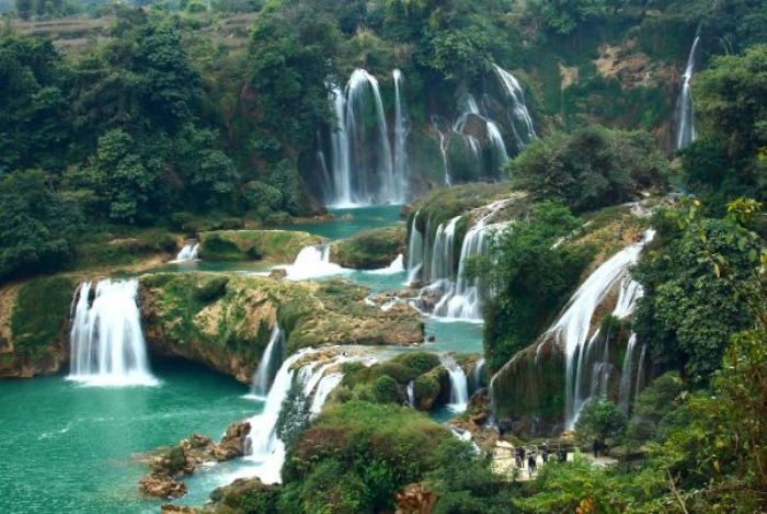 In a legend, Love Waterfall is the meeting place of a woodcutter named O Quy Ho and a fairy - Photo: Internet