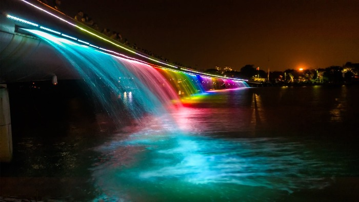 Starlight Bridge - he most beautiful bridge of Ho Chi City - is shining in the night - Photo: Internet