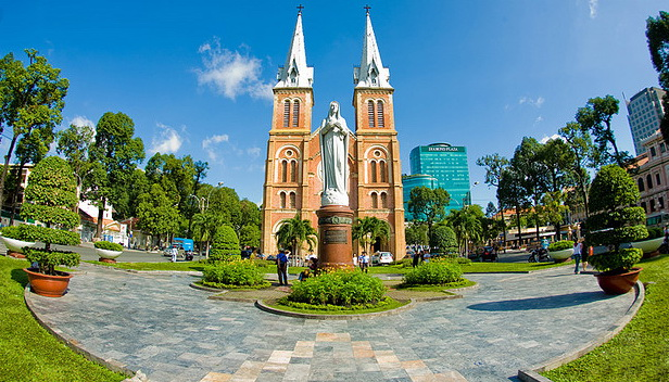Saigon Notre Dame Cathedral - one of interesting destinations in Ho Chi Minh City - Photo: Internet