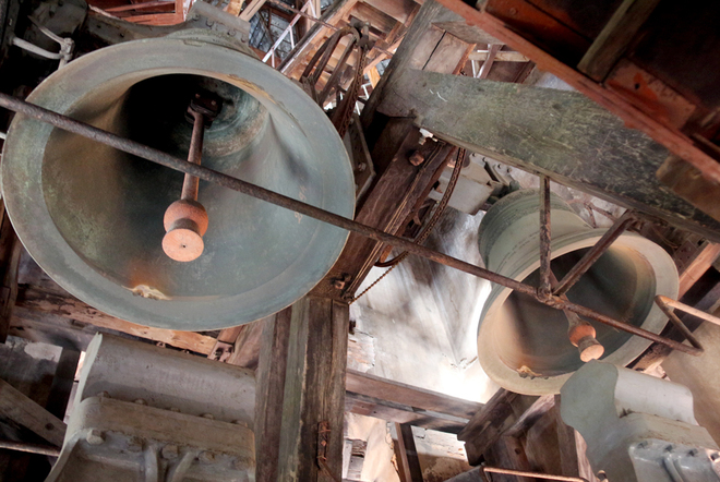 The bell tower of the Saigon Notre Dame Cathedral - Photo: Huu Cong
