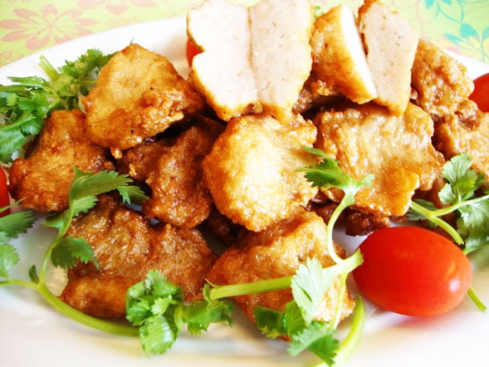 Cha Muc (Squid-pie) is a special food of Ha Long that certainly you have to enjoy - Photo: Internet