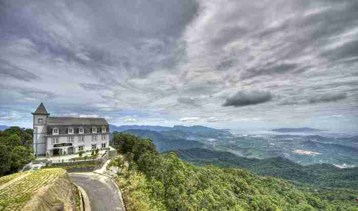 Visiting Ba Na Hills you will have a feeling of being in a fairyland - Photo: Internet