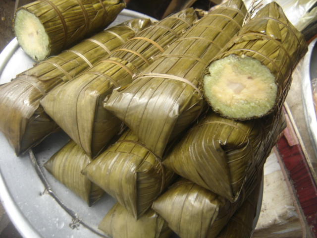 Nowadays, lady palm cylindrical glutinous rice cake is a speciality only on Phu Quoc - Photo: Internet