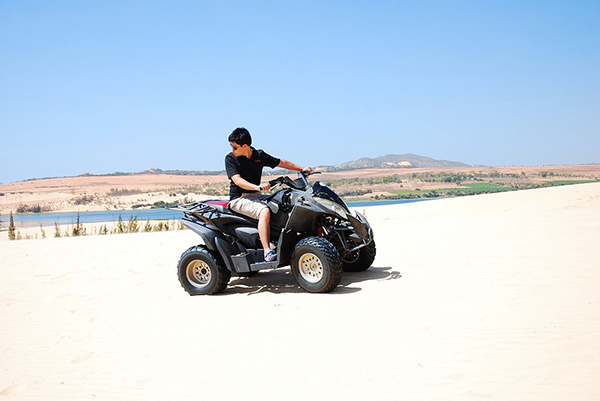 Driving Quad Bike in Mui Ne Binh Thuan - Photo: Internet