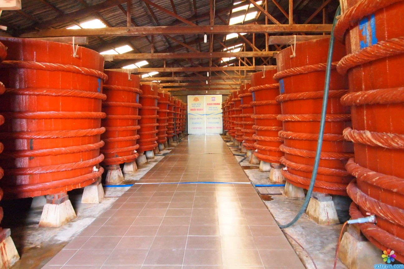 The area of barrels containing fish sauce at a fish sauce village of Phu Quoc Island, Kien Giang Province - Photo: Internet