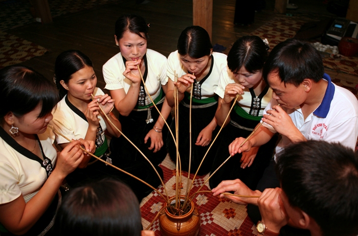 Ruou Can is a specific drink of Tay Nguyen Vietnam - Photo: Internet