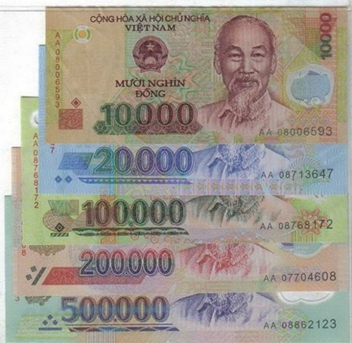 Vietnamese denominations of money are slightly alike, so you should be careful in order not to get mistake - Photo: Internet