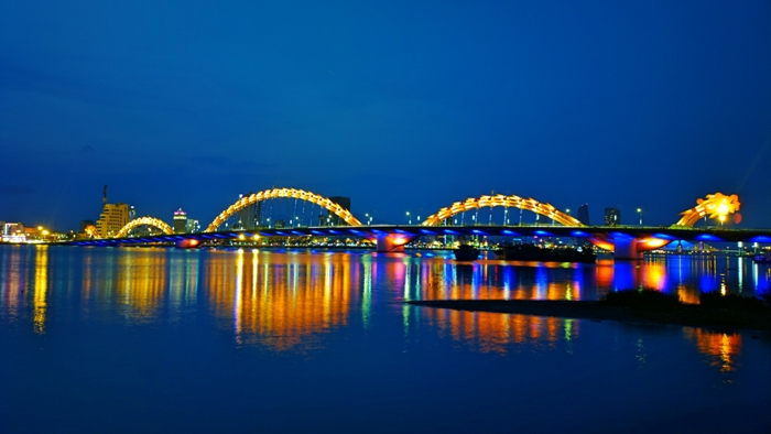 Cau Rong (Dragon) Bridge, Da Nang City becomes one of the most spectacular and impressive in the planet - Photo: Internet
