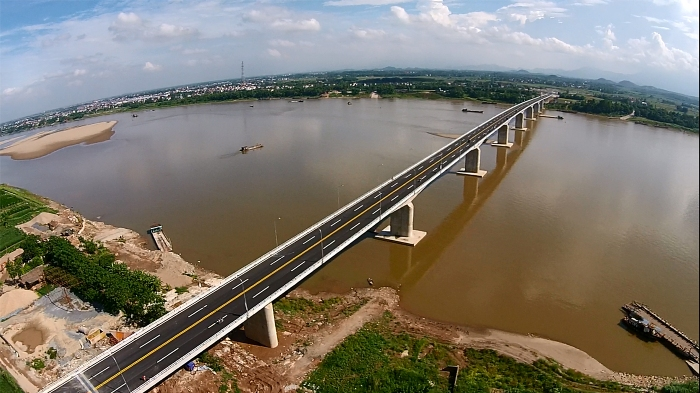 Vinh Thinh Bridge officially becomes the longest river-spanning (Red River) bridge in Vietnam - Photo: Internet
