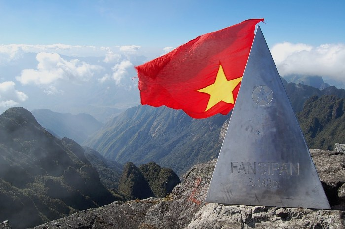 Mount Fansipan at Lao Cai Province - the highest mountain in Indochina - is always a destination of many climbers, explorers and lots of tourists who is passionate about conquering nature - Photo: Internet