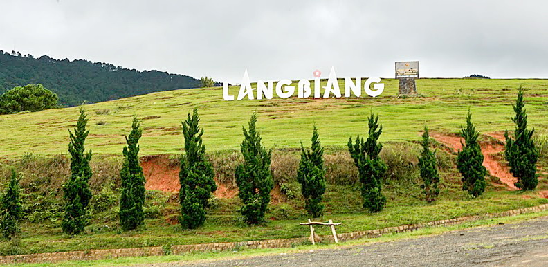 Mount LangBiang is an appealing tourist attraction in Da Lat City, Lam Dong Province - Photo: Internet