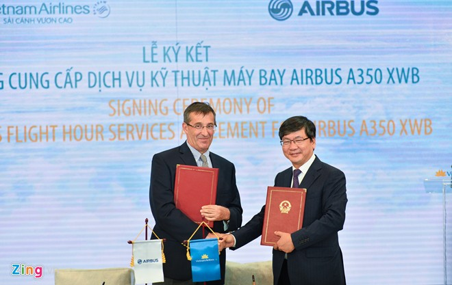 Signing Contract with Airbus Provider