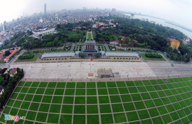 Ho Chi Minh Mausoleum is an important historical attraction of Hanoi