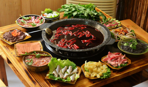A spicy Chongqing Hot Pot - Photo: Guu