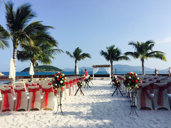 The resort offers their guests so many thoughtful and useful services and one of them is the wedding service