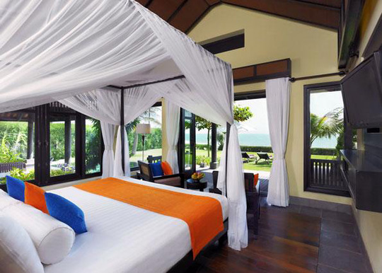 Anantara has luxurious rooms or villa for up to 6 people