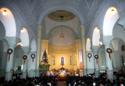 Inside of the Cua Bac Cathedral