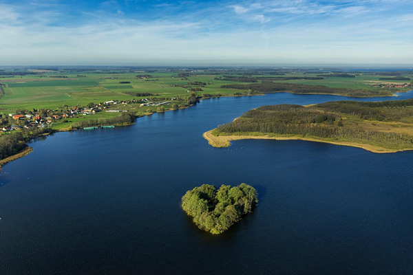 In Germany, there is a heart-shaped islet located in the middle of the Kleine Muritz lake, very ideal for couples experiencing the sweet and silent moments together.