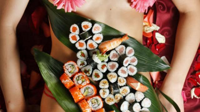 The sushi presentation on the body in different ways