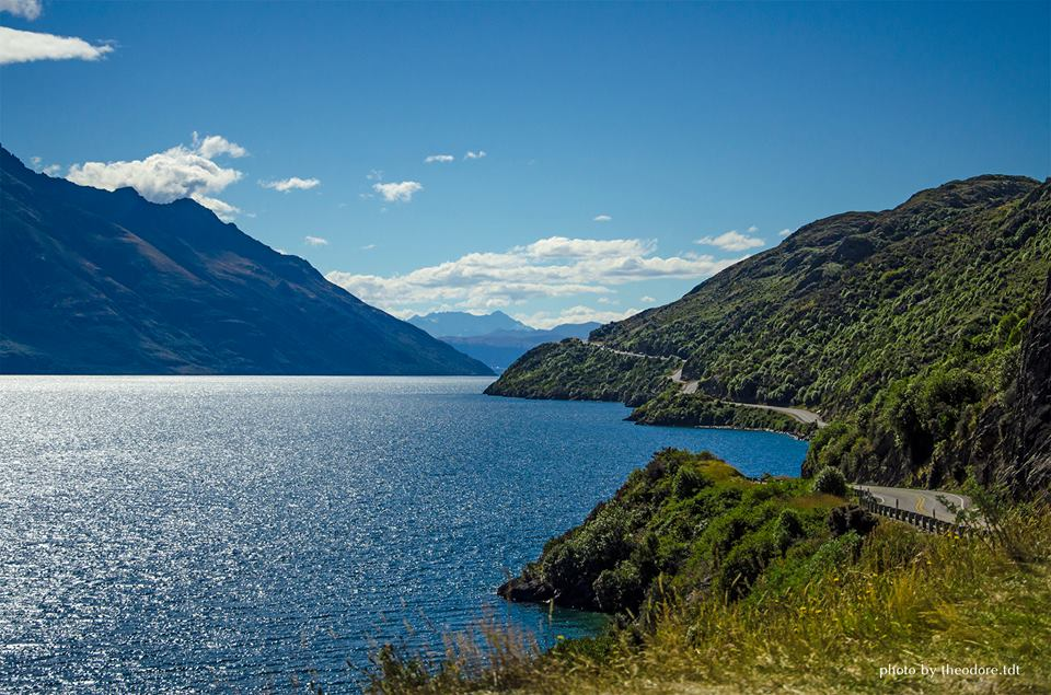 A stunning beauty of lake Wakatipu