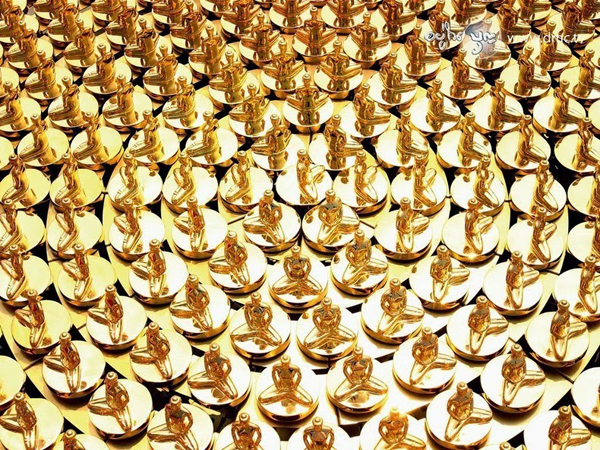 Here are a million gold-coated bronze statues of Buddha