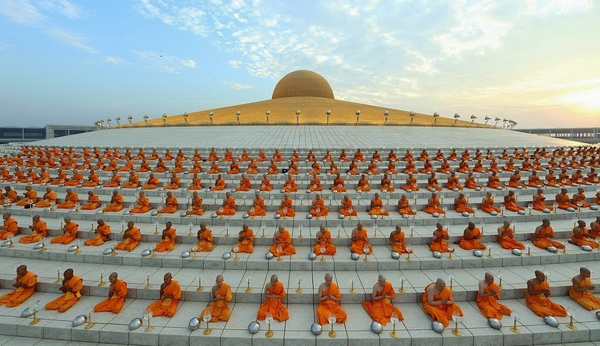 There are up to 100,000 monks
