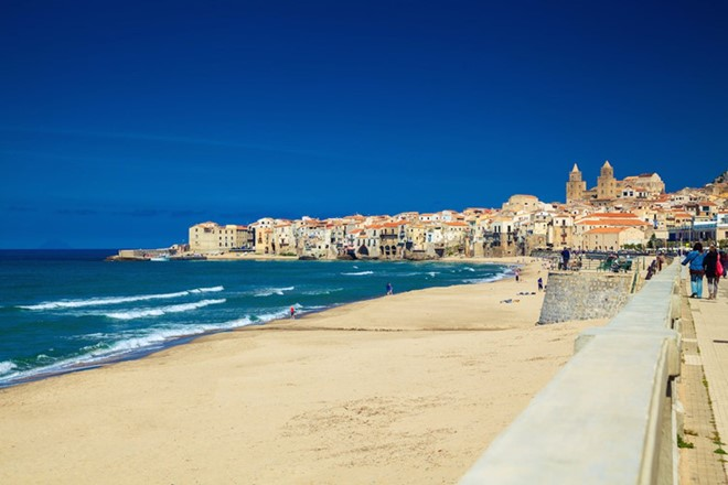 Cefalu, Italy: When you see the beautiful beach Cefalu, you will not want to go to any other beach. The warm waters, gentle waves are very suitable for canoeing, swimming, and many other beach  activities.