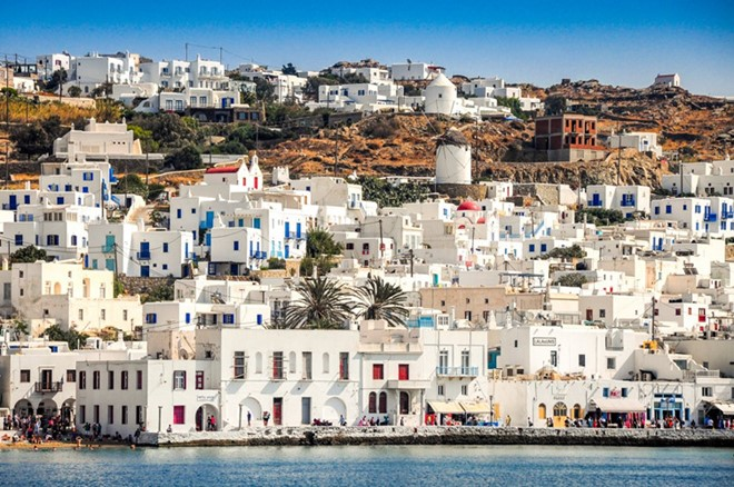 Mykonos, Greece: If you are looking for a beach with clear blue water and golden seductive stretched sand of the Mediterranean, Mykonos will be the ideal destination.