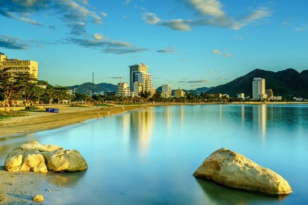The clean and clear beaches in Nha Trang can please any of visitors. Photo: Nguyen Dinh Thanh
