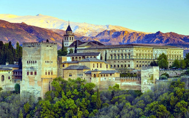 Alhambra in Spain is famous for the Arabic architecture, combined with the stunning surrounded gardens.