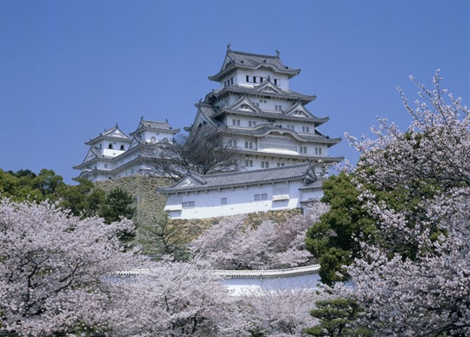Himeji Castle is a hilltop Japanese castle complex located in Himeji.  it was registered in 1993 as one of the first UNESCO World Heritage Sites in Japan.