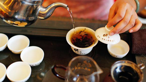 Da Hong Pao has a warm, woody aroma with hints of flora