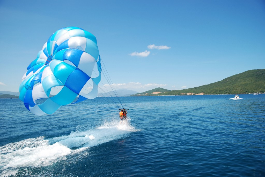 Paragliding is fast becoming popular among tourists in Nha Trang