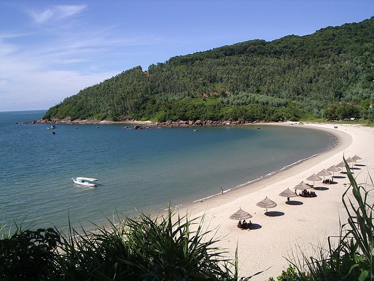 Son Tra peninsula is the well-known tourist attraction - Photo: Internet