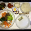 Airplane food: The difference between Business class vs Economy class
